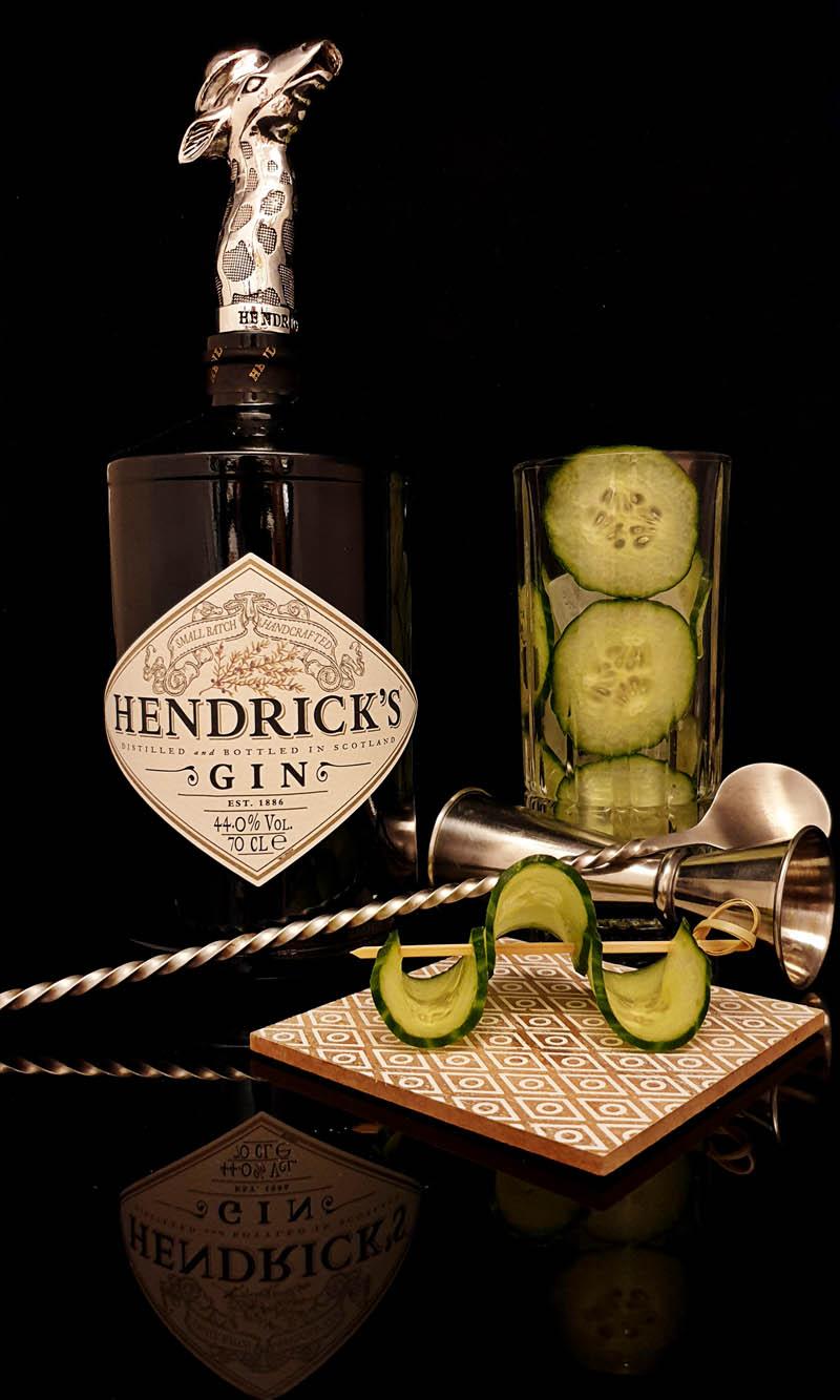 Der Hendrick's Gin im Review auf ginvasion.de - Flaschendesign 2