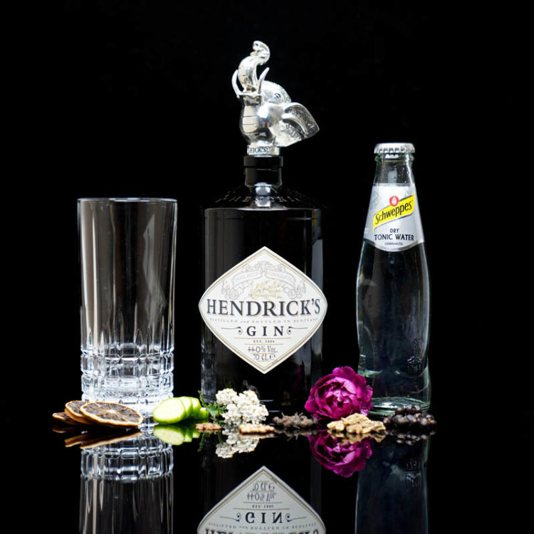 Der Hendrick's Gin im Review auf ginvasion.de