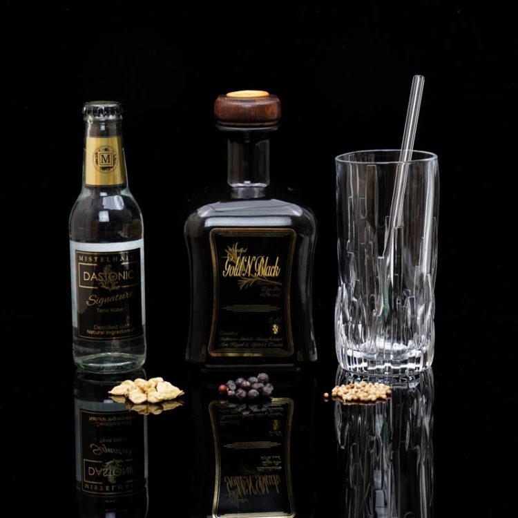 Der Gold'N'Black Gin im Review auf ginvasion.de